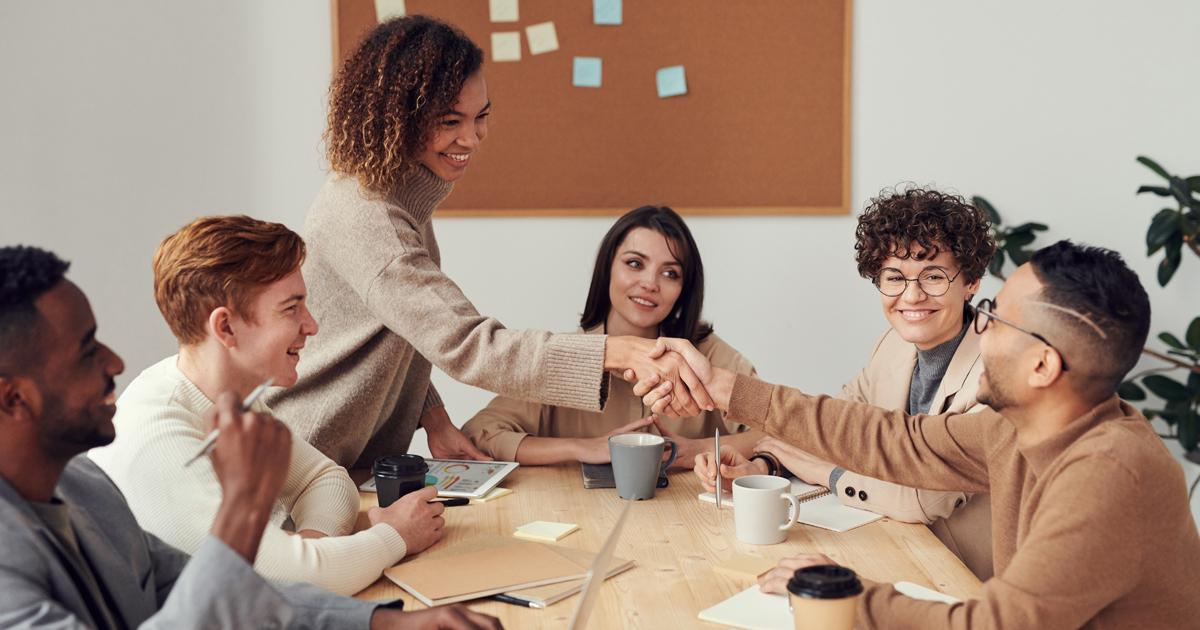 heureux au travail: comment être heureux réunion bonheur